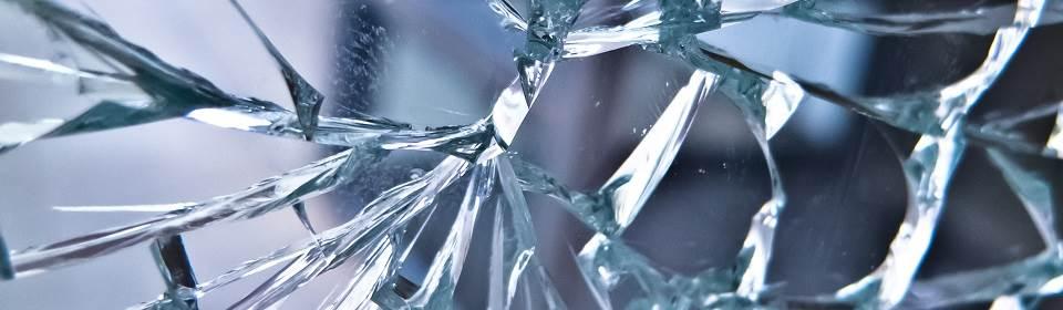 Glas kapot geslagen